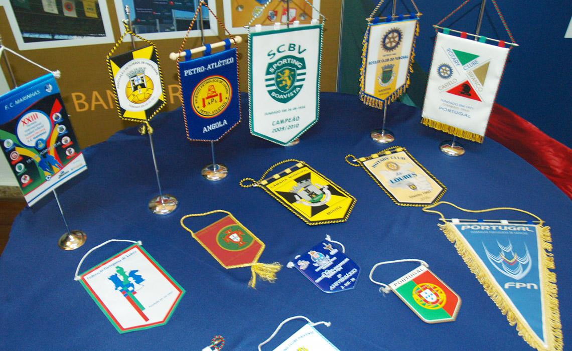 Bandeiras de secretária – preços